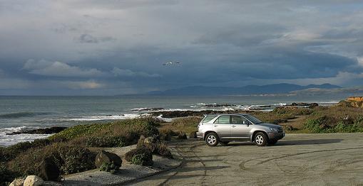 coche en la playa